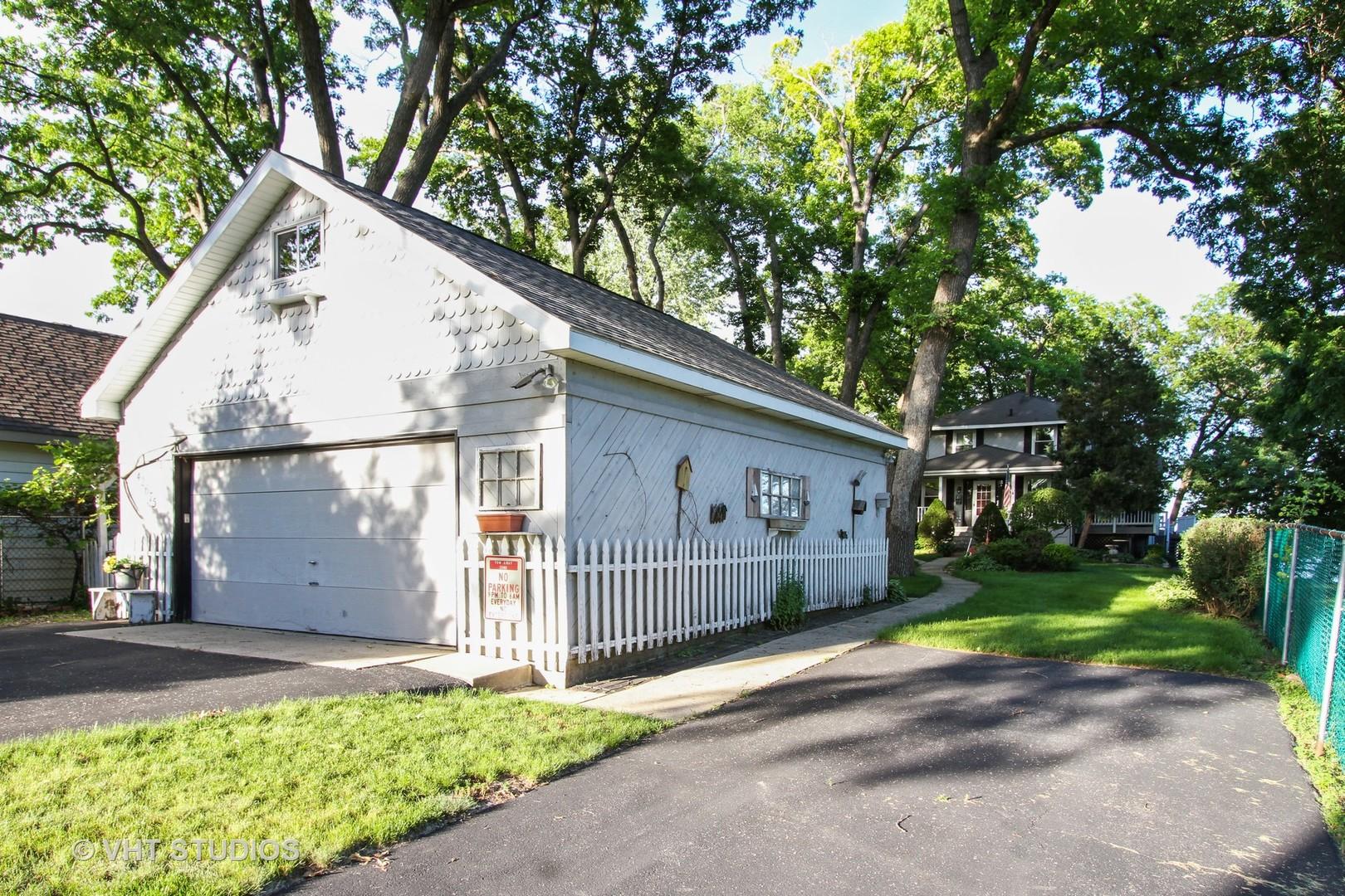 42675 North Woodbine, Antioch, Illinois, 60002