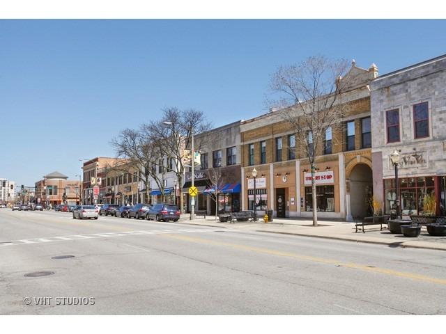 1 North Beacon 301, La Grange, Illinois, 60525