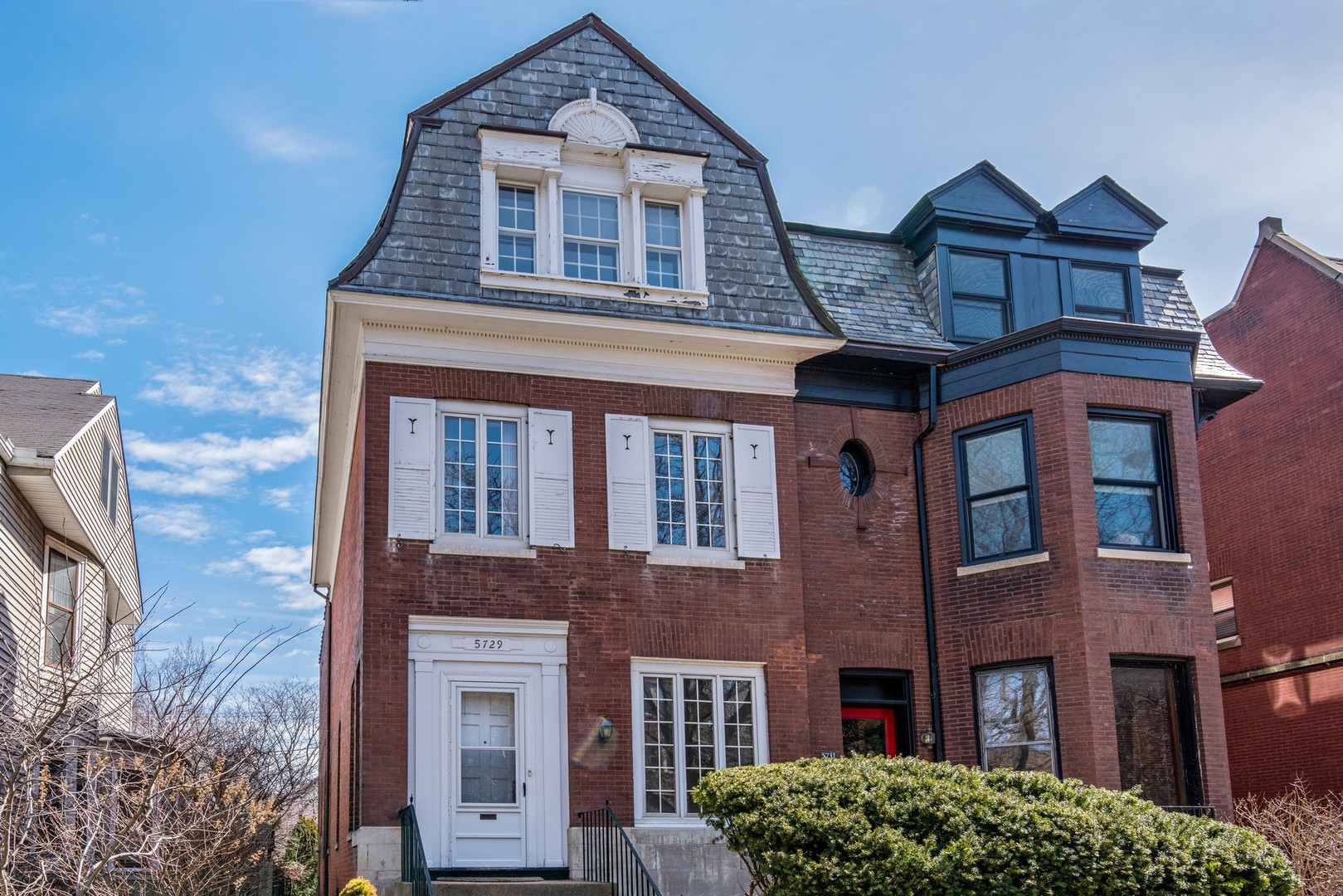 Property for sale at 5729 South Blackstone Avenue, Chicago-Hyde Park,  IL 60637