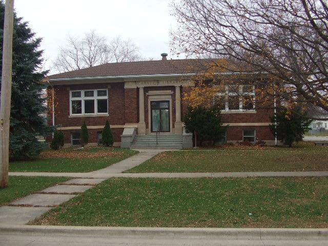 117 E 2nd Street, Gilman, IL 60938