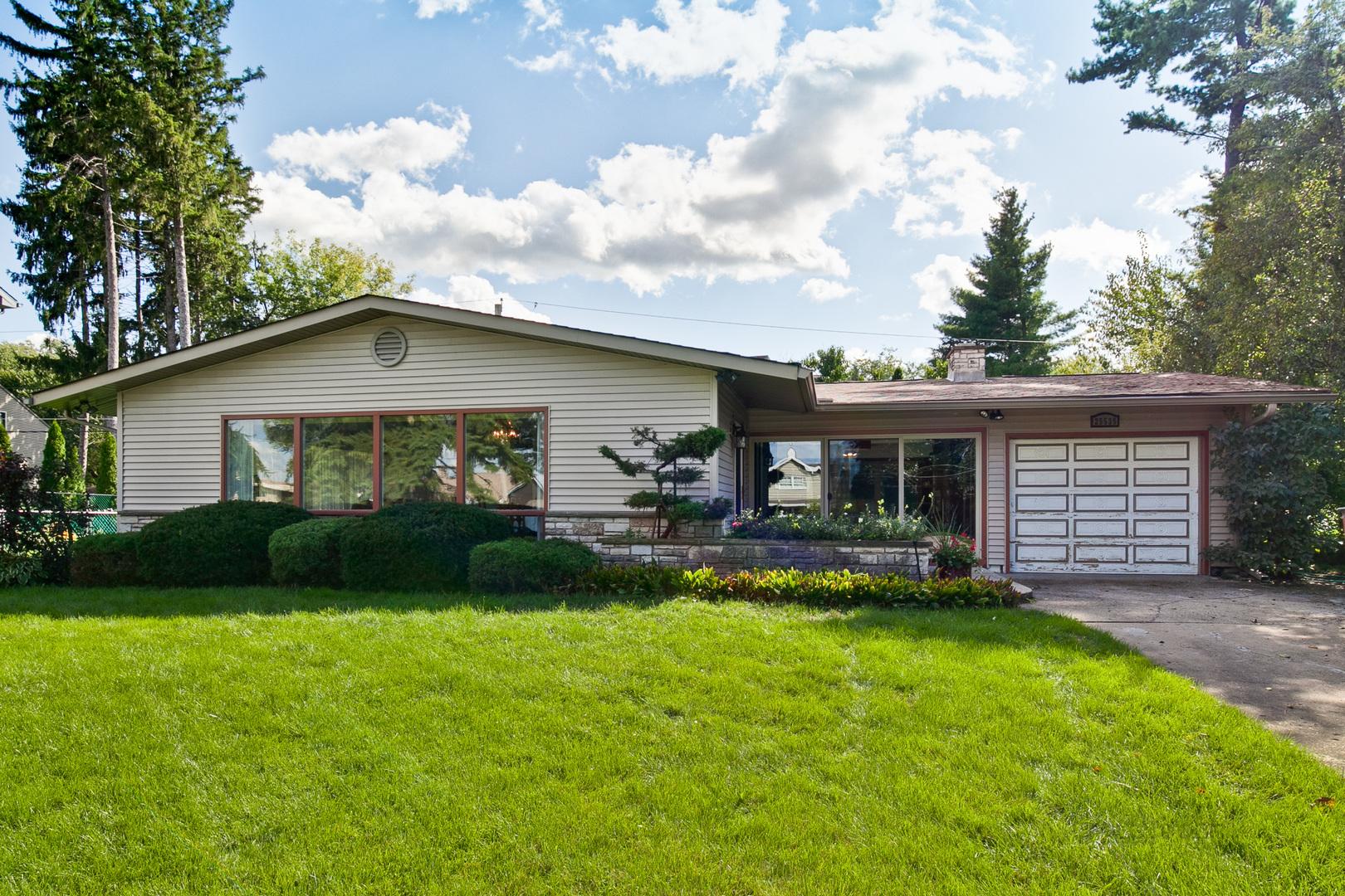 25535 West Columbia Bay Drive, Lake Villa, Illinois 60046