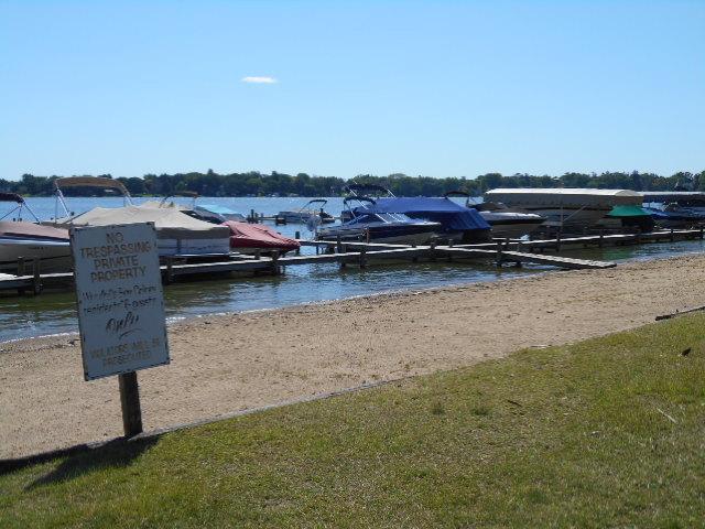 18 Mineola, Fox Lake, Illinois, 60020