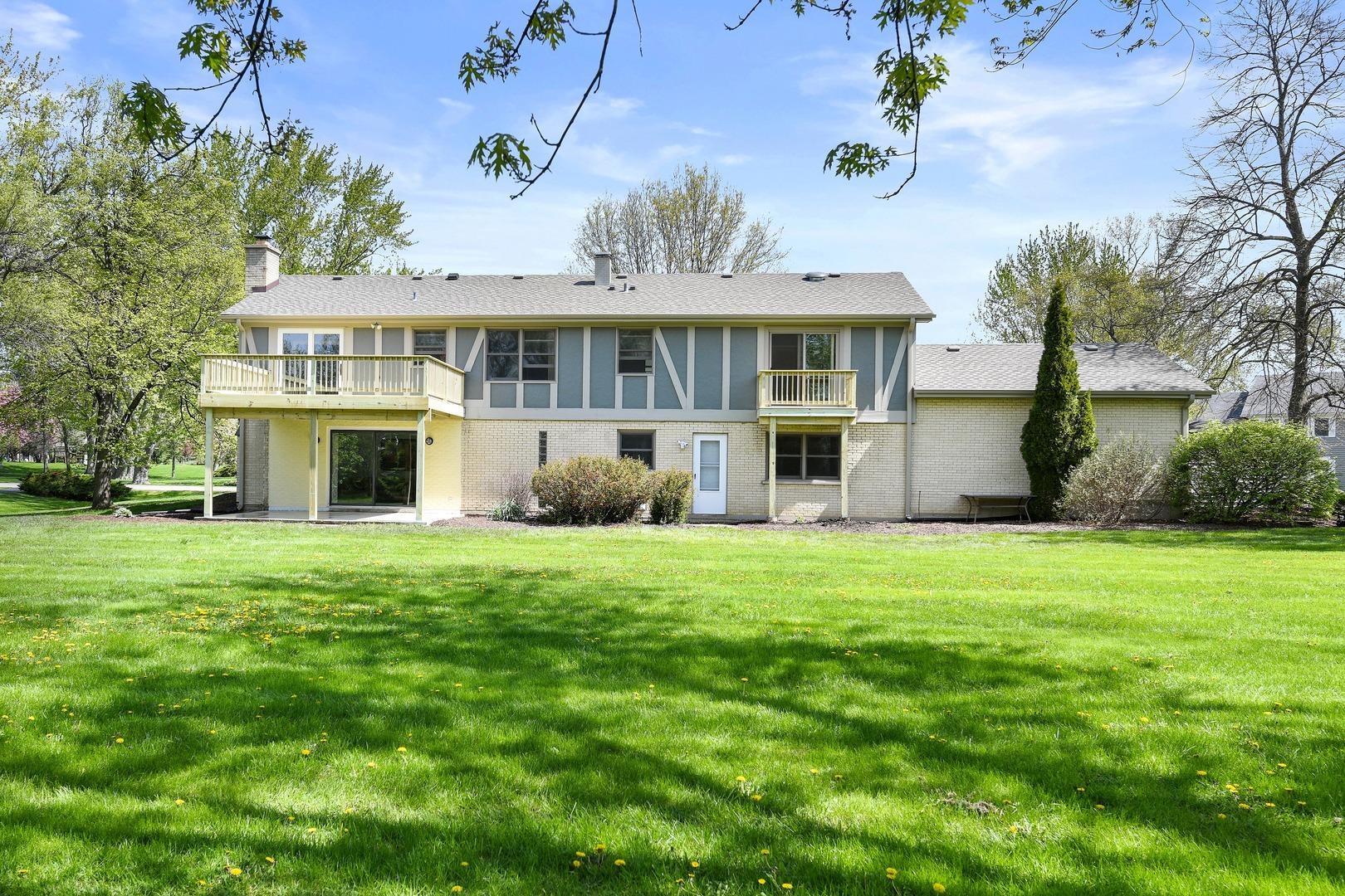 21020 North Crestview, BARRINGTON, Illinois, 60010