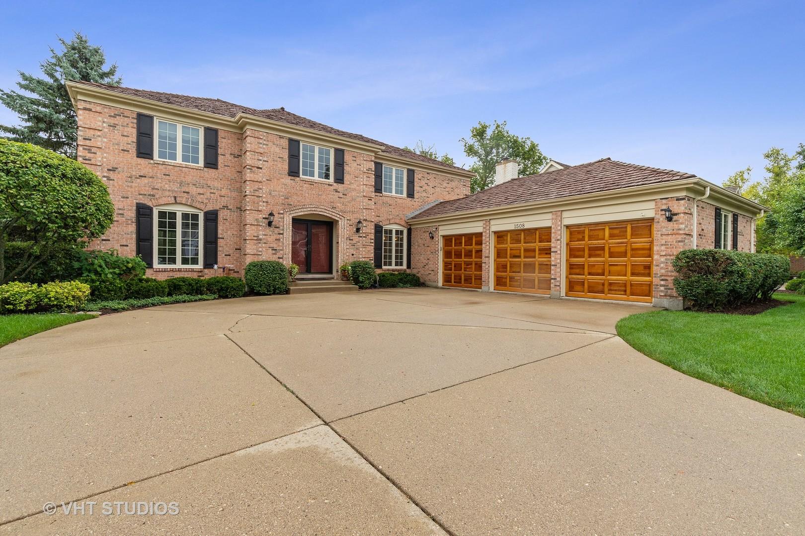 1508 Old Barn Circle, Libertyville, Illinois 60048