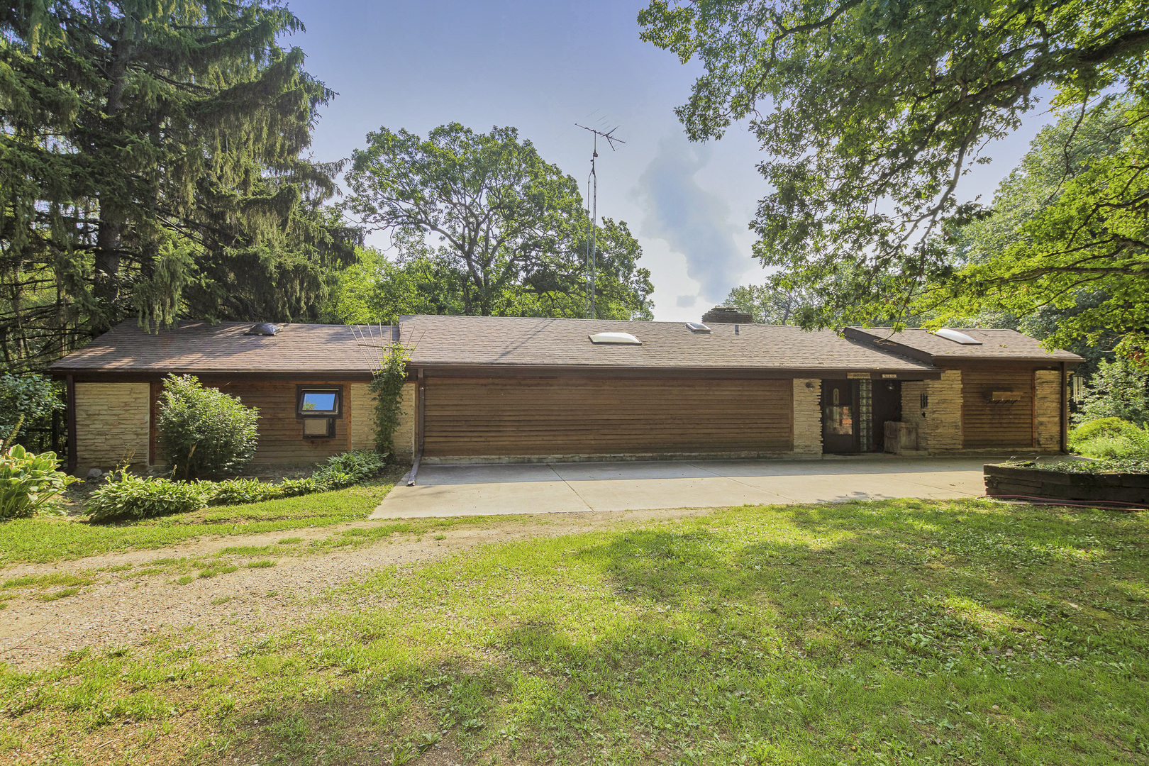 8000 N State Park Road, Spring Grove, Il 60081