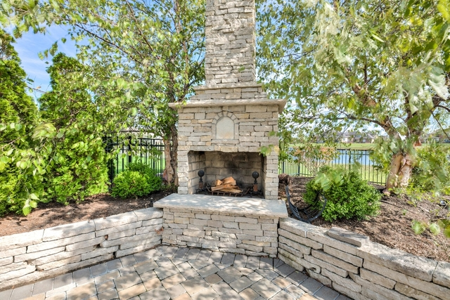 1404 English Oak, Champaign, Illinois, 61822