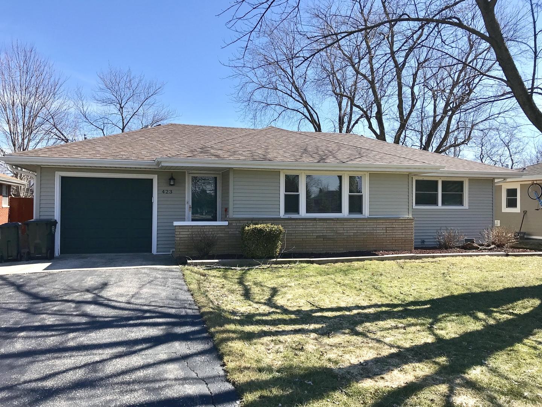 423 Deerpath Drive, Lindenhurst, Illinois 60046