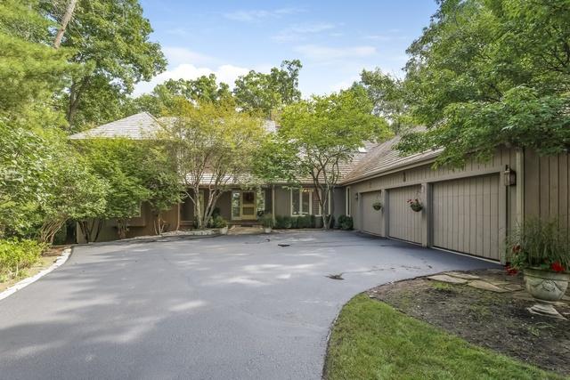 215 Norwich Court, Lake Bluff, Illinois 60044