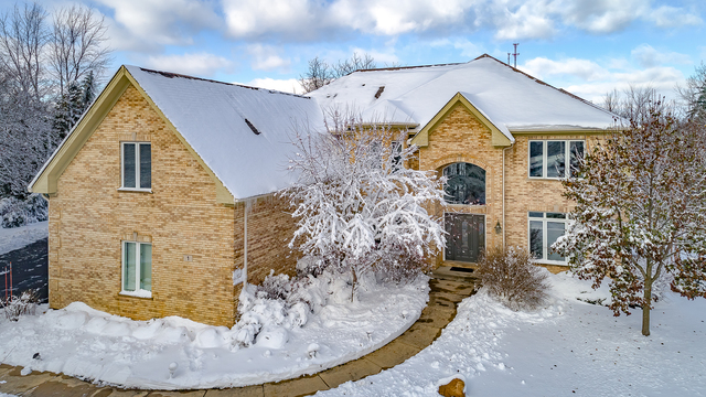 1 Durango Court, Hawthorn Woods, Illinois 60047
