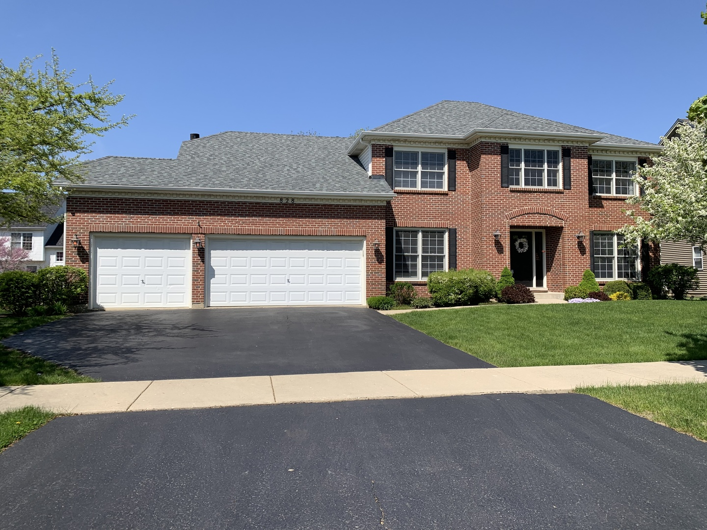 828  Doral,  North Aurora, Illinois