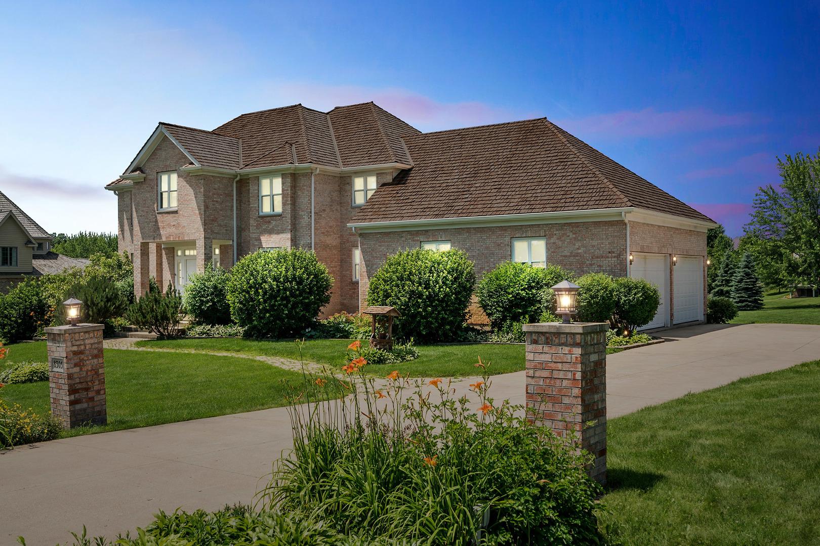 8305 Heather Rdg Spring Grove, Illinois 60081