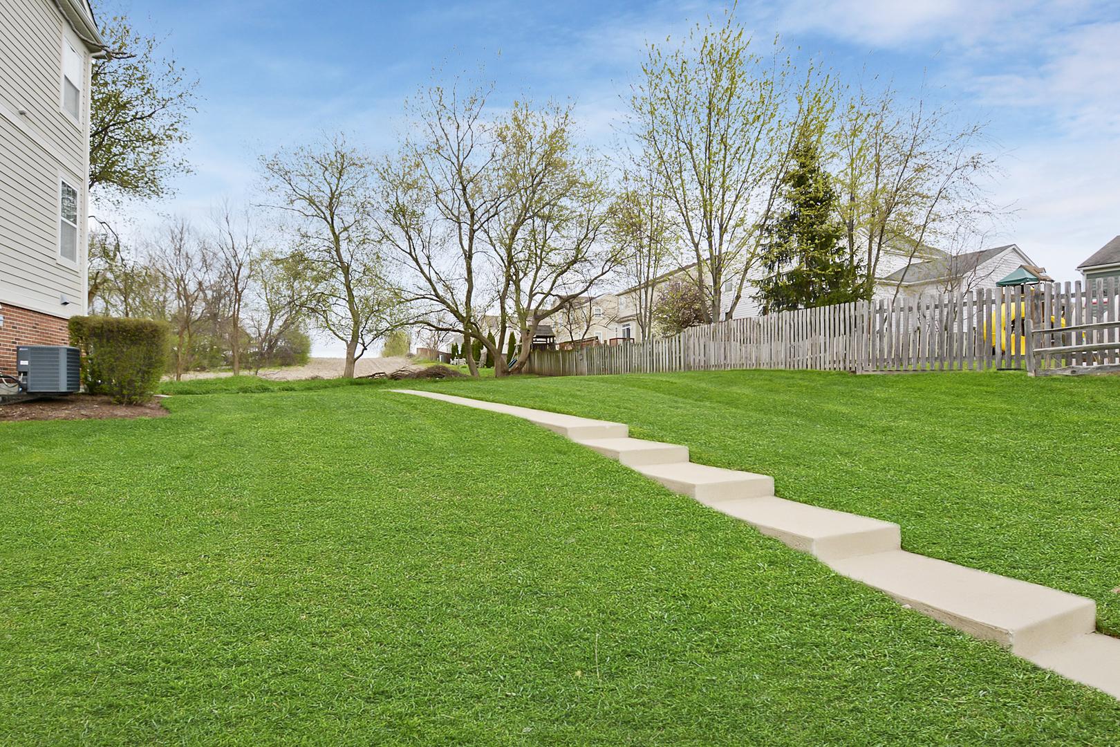 3102 Valley Falls, ELGIN, Illinois, 60124