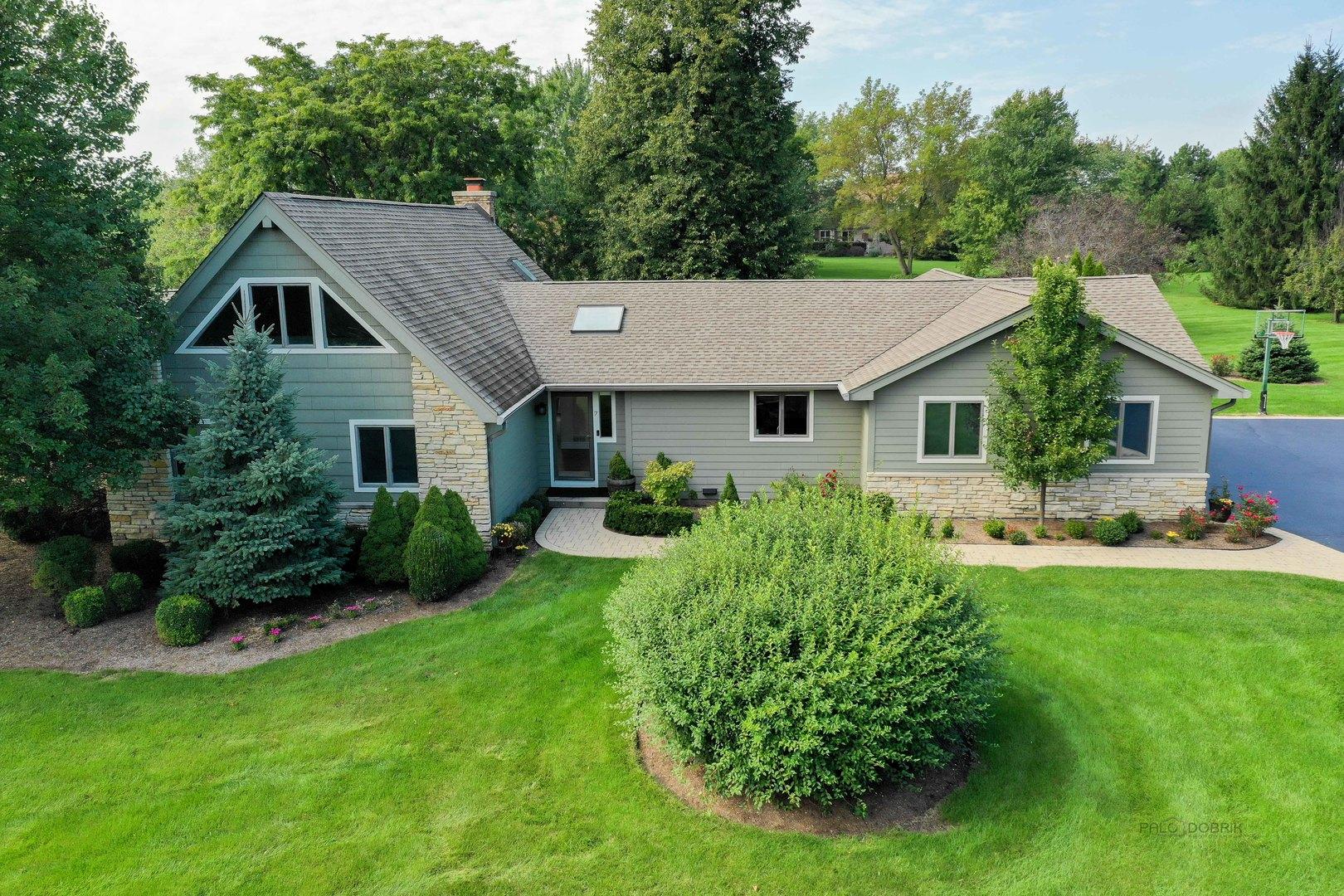 7 Lake View Road, Hawthorn Woods, Illinois 60047