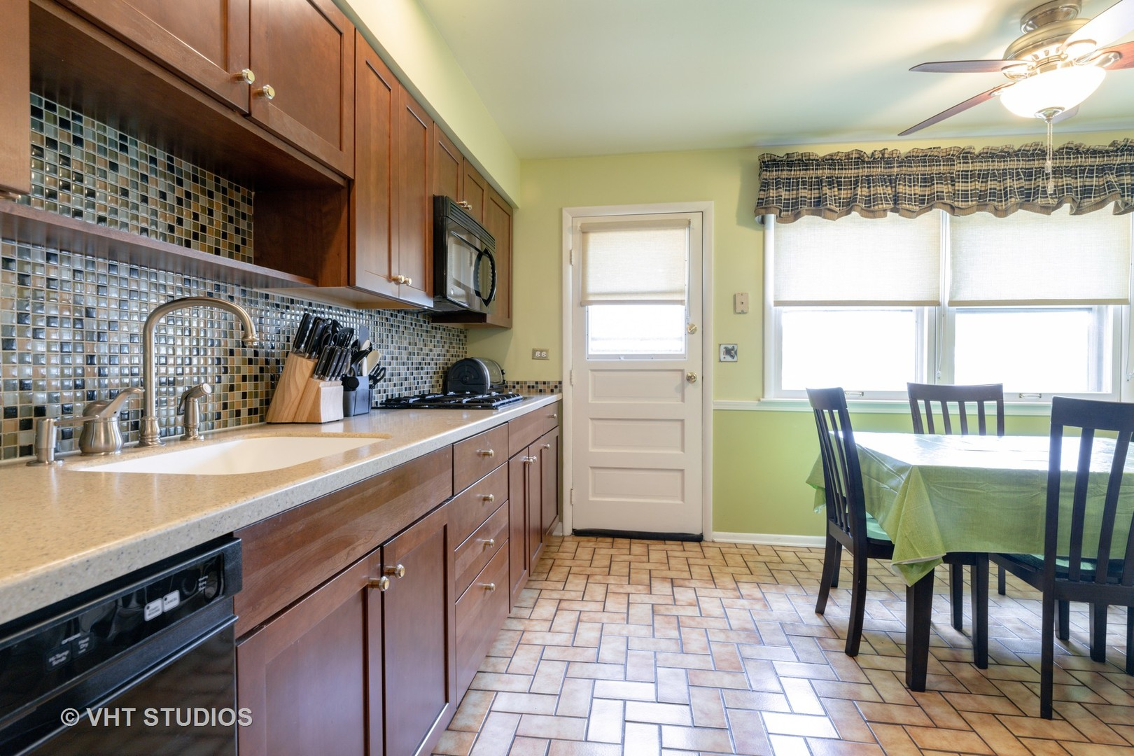 1714 West Pheasant, Mount Prospect, Illinois, 60056