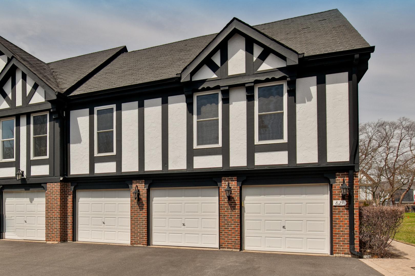 821 Garfield Avenue, Unit C, Libertyville, Illinois 60048