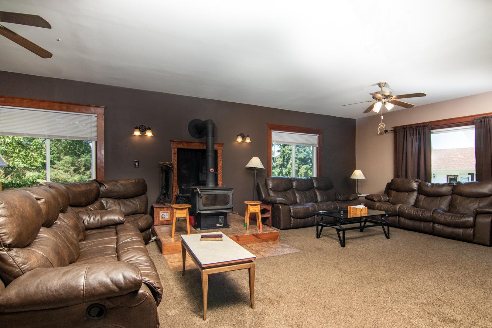 2520 Rockton, Caledonia, Illinois, 61011