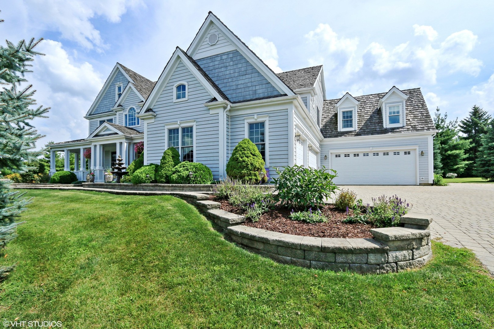 173 Sycamore Drive, Hawthorn Woods, Illinois 60047