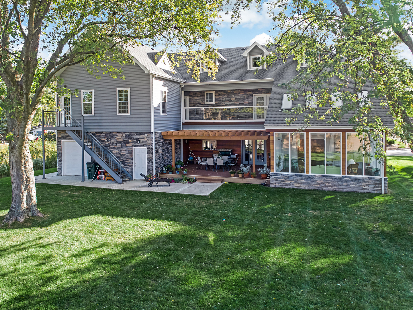 6S344 South Jackson, Hinsdale, Illinois, 60521