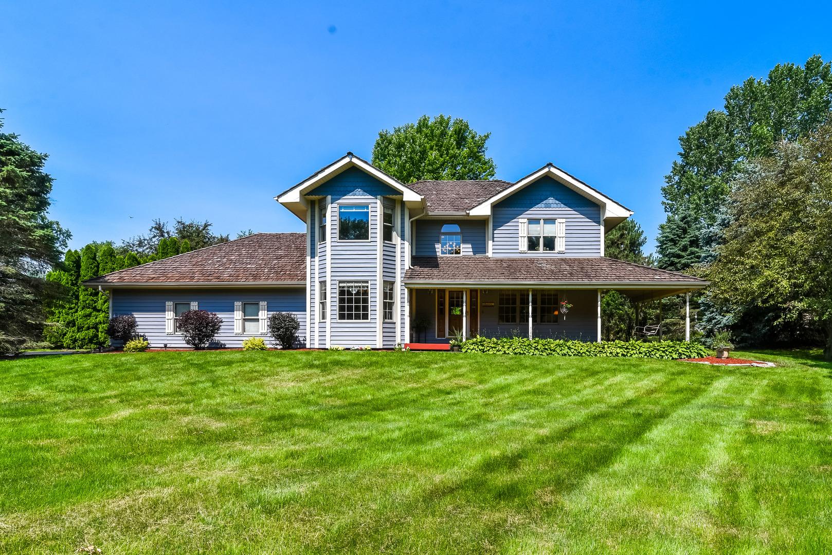8605 Sundial Lane, Spring Grove, Illinois 60081