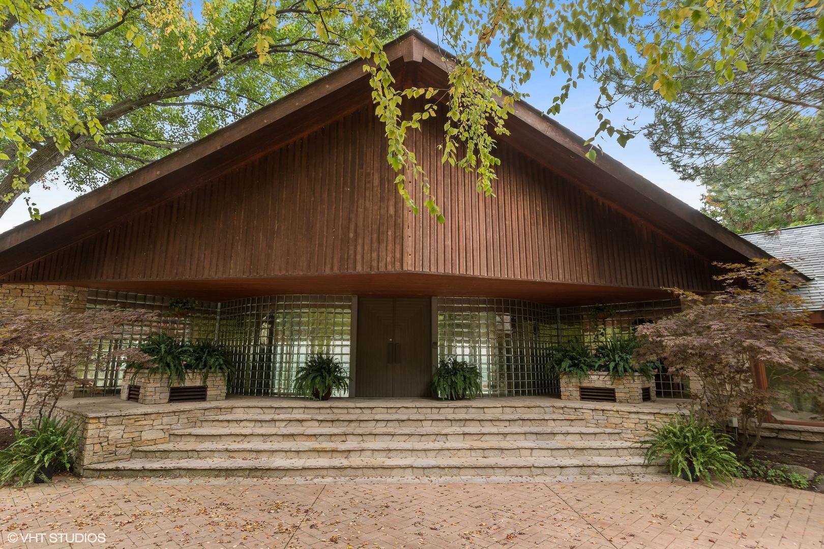 1717 Shore Acres Drive, Lake Bluff, Il 60044
