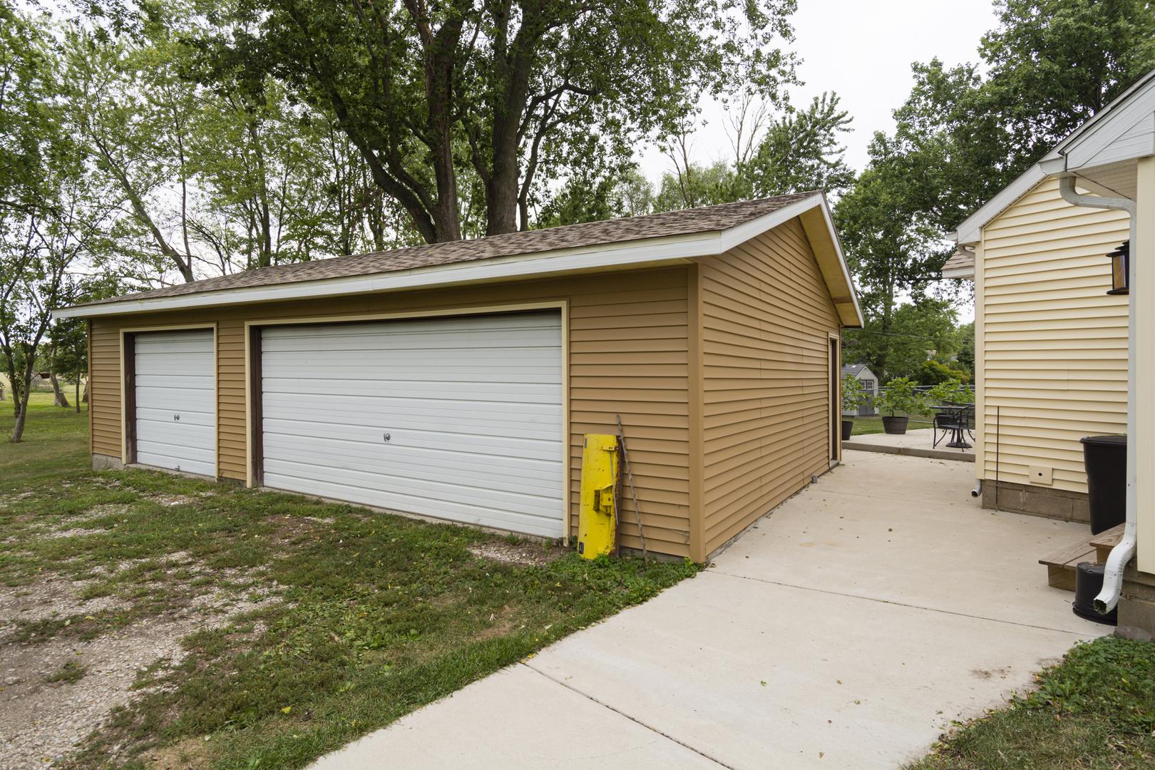 311 North West, Gifford, Illinois, 61847
