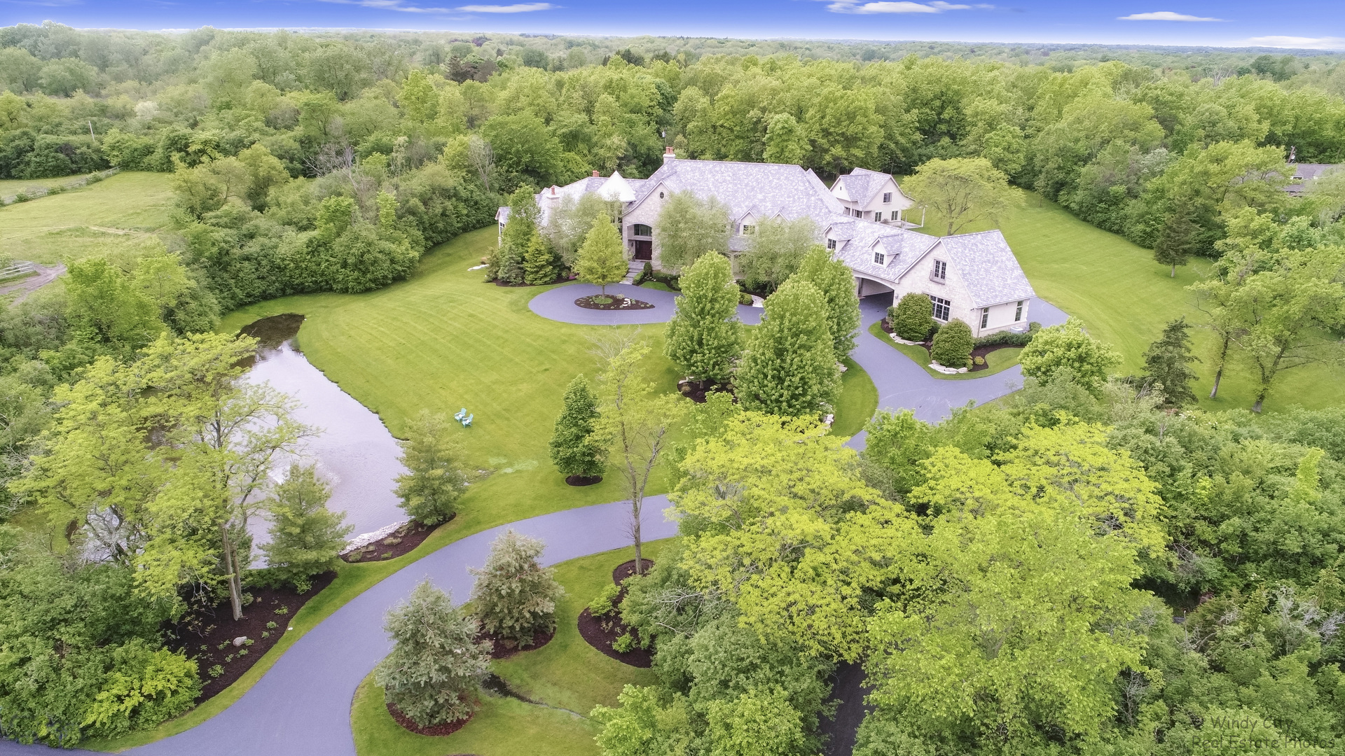 16 Hart Hills Road, Barrington Hills, Illinois 60010