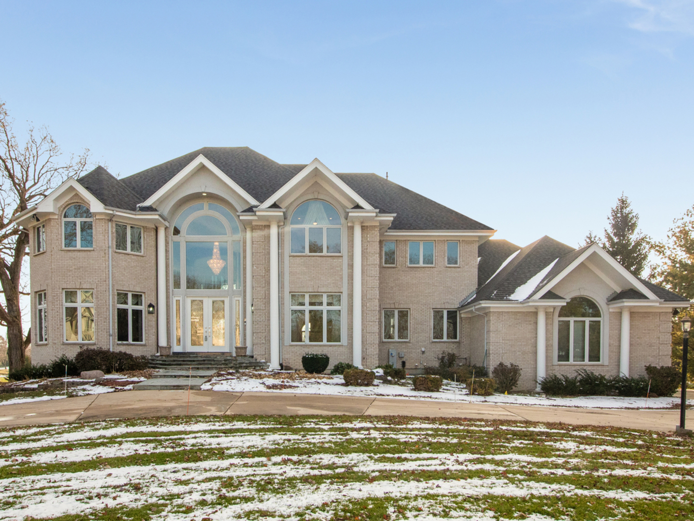 42 South Royal Oaks, Bristol, Illinois, 60512