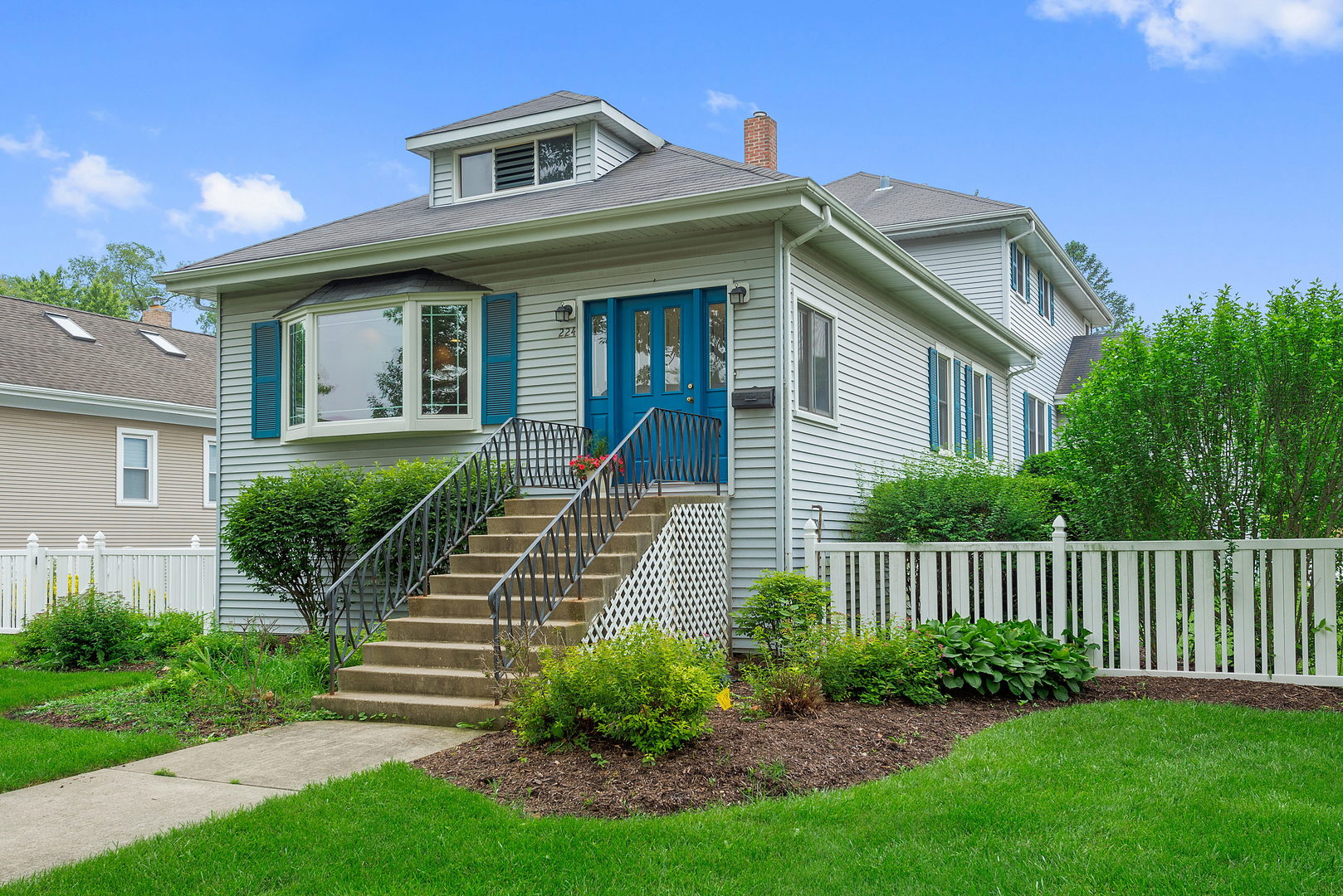A Welcoming Street Portrait Opens To A Home Of Many Charms. Recently Redone  And Refreshed Throughout Opens To Large Living Room And Dining Room With ...