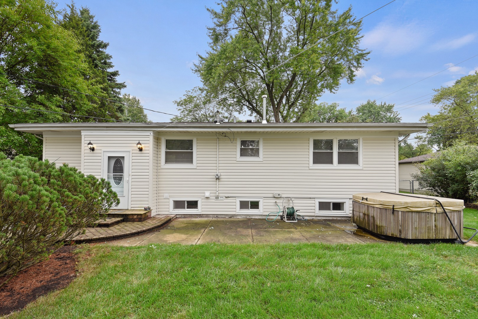 504 East Holly, Mount Prospect, Illinois, 60056