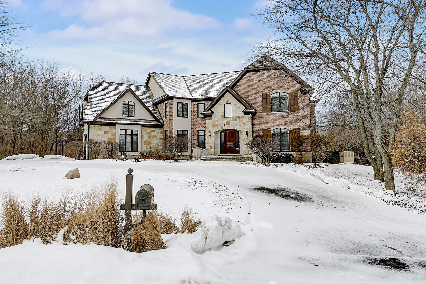 3 Barberry Drive, Hawthorn Woods, Illinois 60047