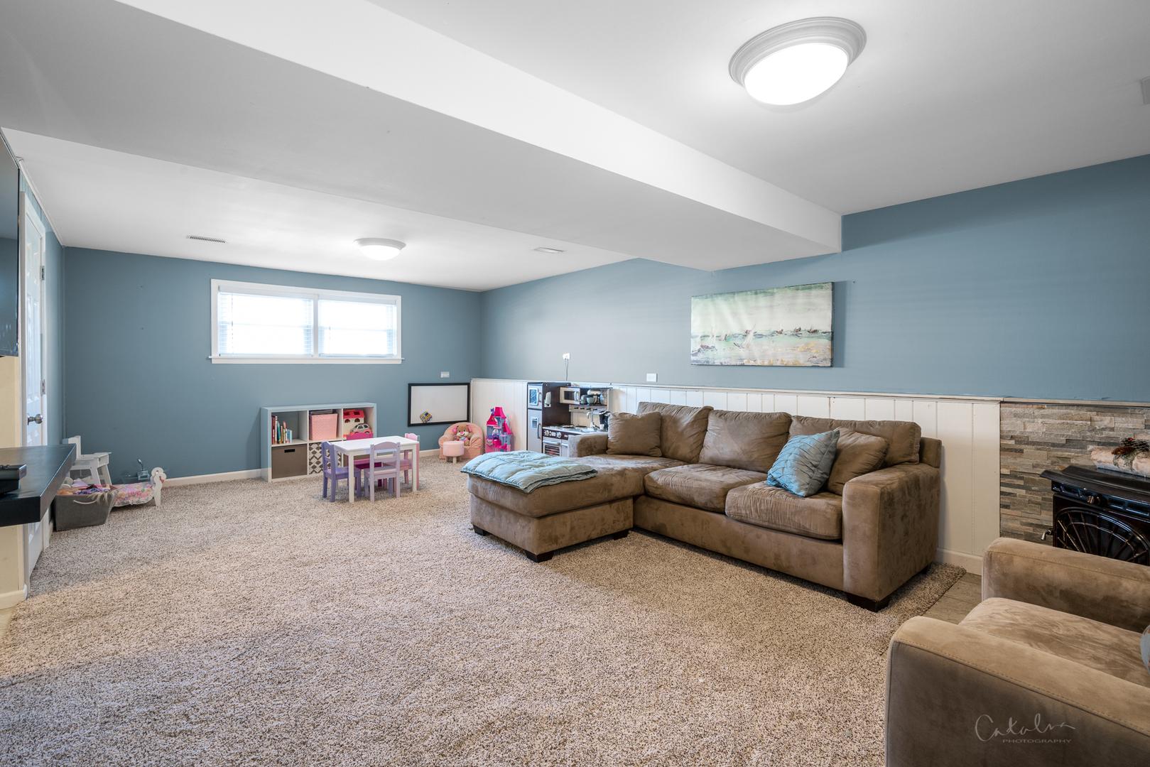 907 East Ironwood, Mount Prospect, Illinois, 60056