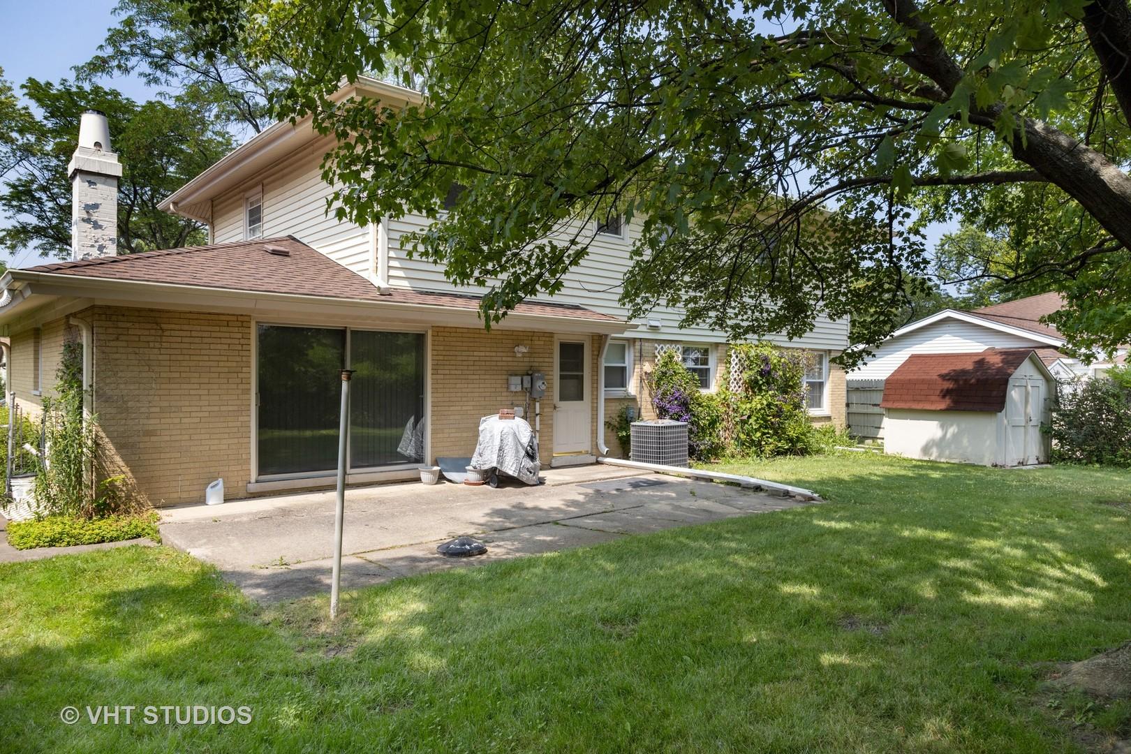 73 GRANGE, Elk Grove Village, Illinois, 60007