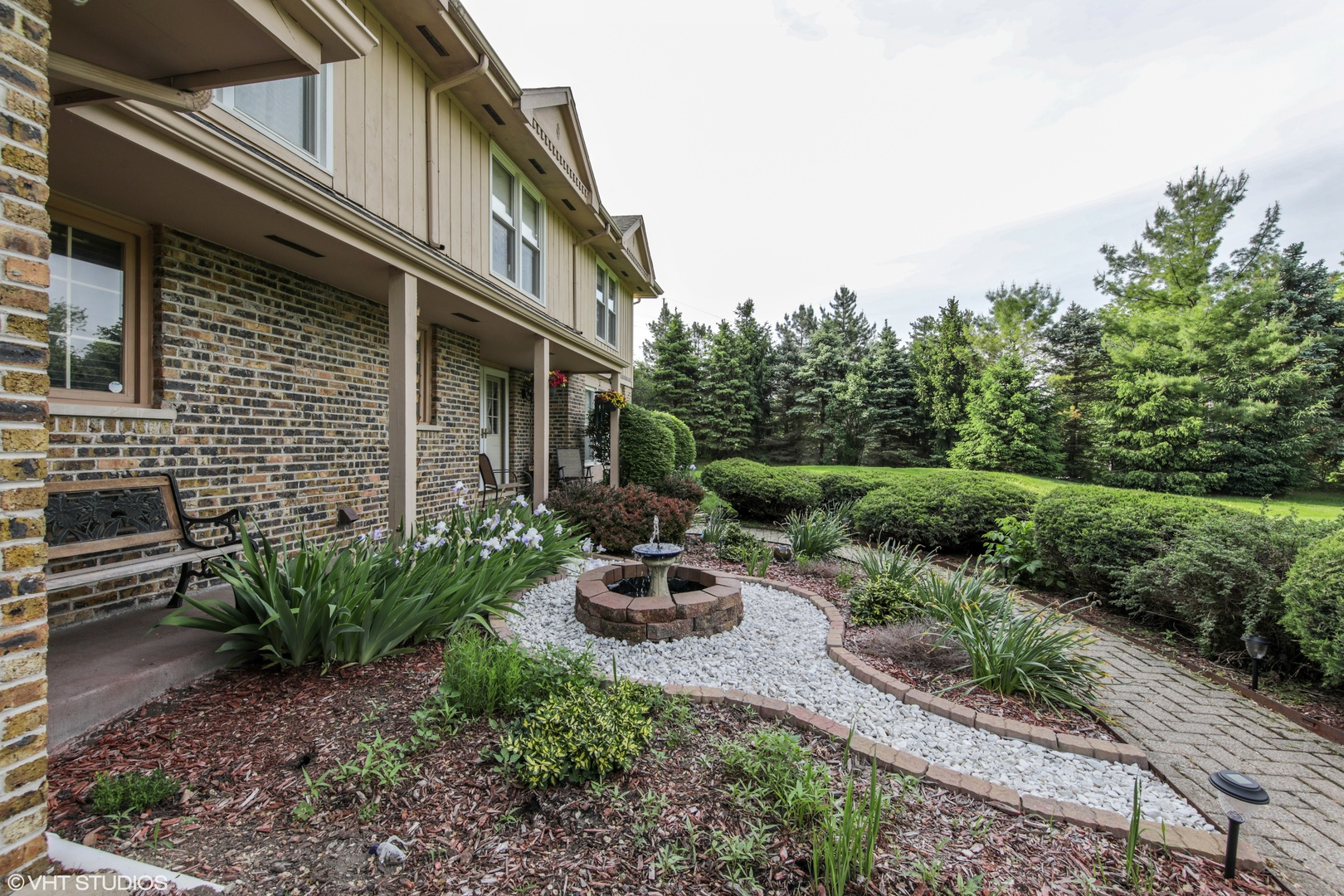 1 Barrington Bourne Barrington Hills, Illinois 60010
