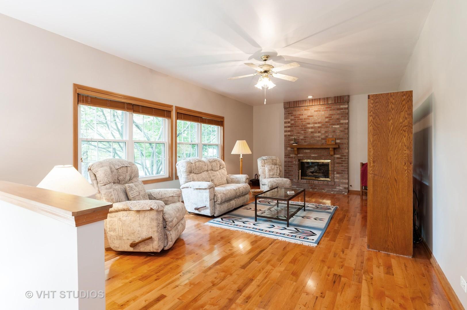 829 Tylerton, Grayslake, Illinois, 60030