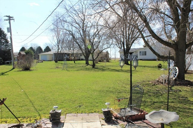 101 Riverview, Albany, Illinois, 61230