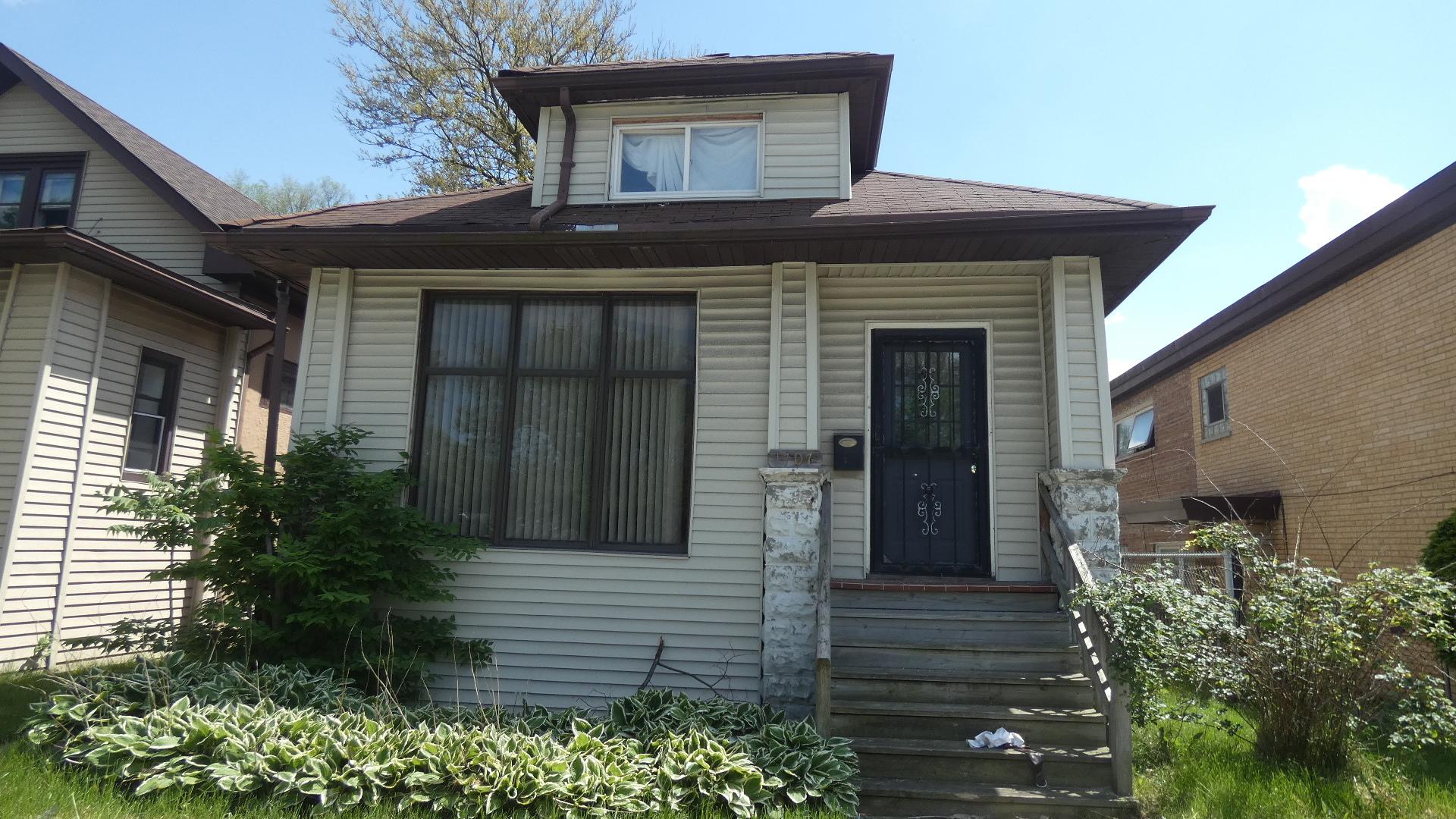 1707 E 83rd Exterior Photo
