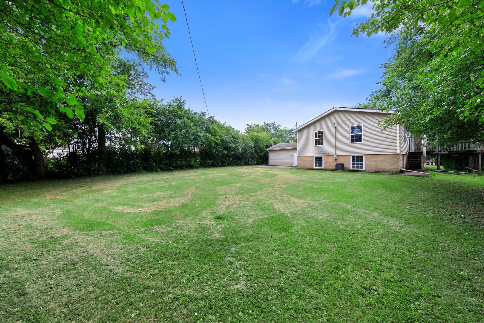 7414 Richmond, Darien, Illinois, 60561
