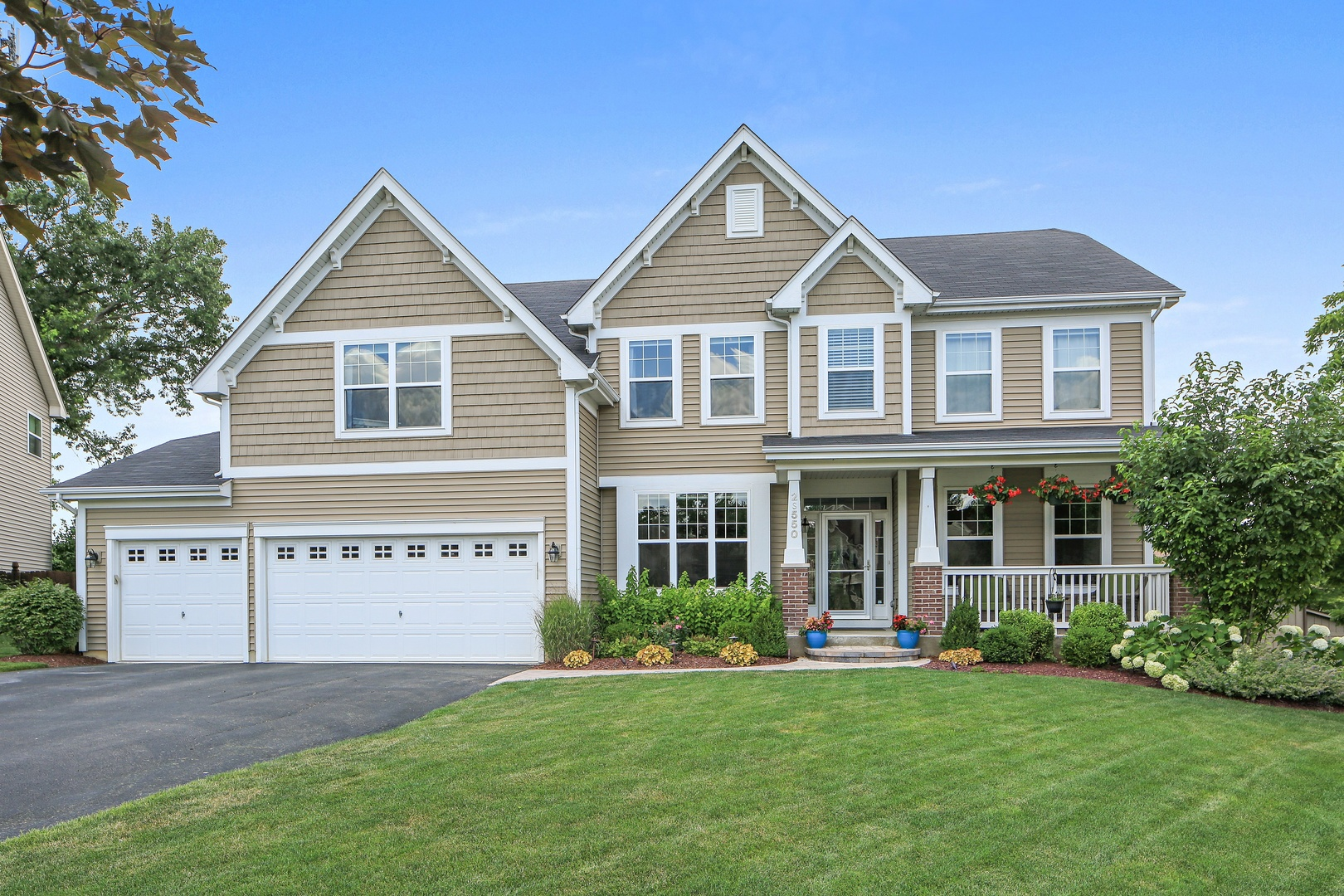 2s550 Maple Terrace, Warrenville, Illinois 60555