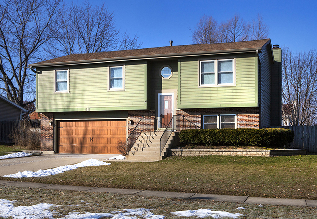518 Waterford Drive, Lindenhurst, Illinois 60046