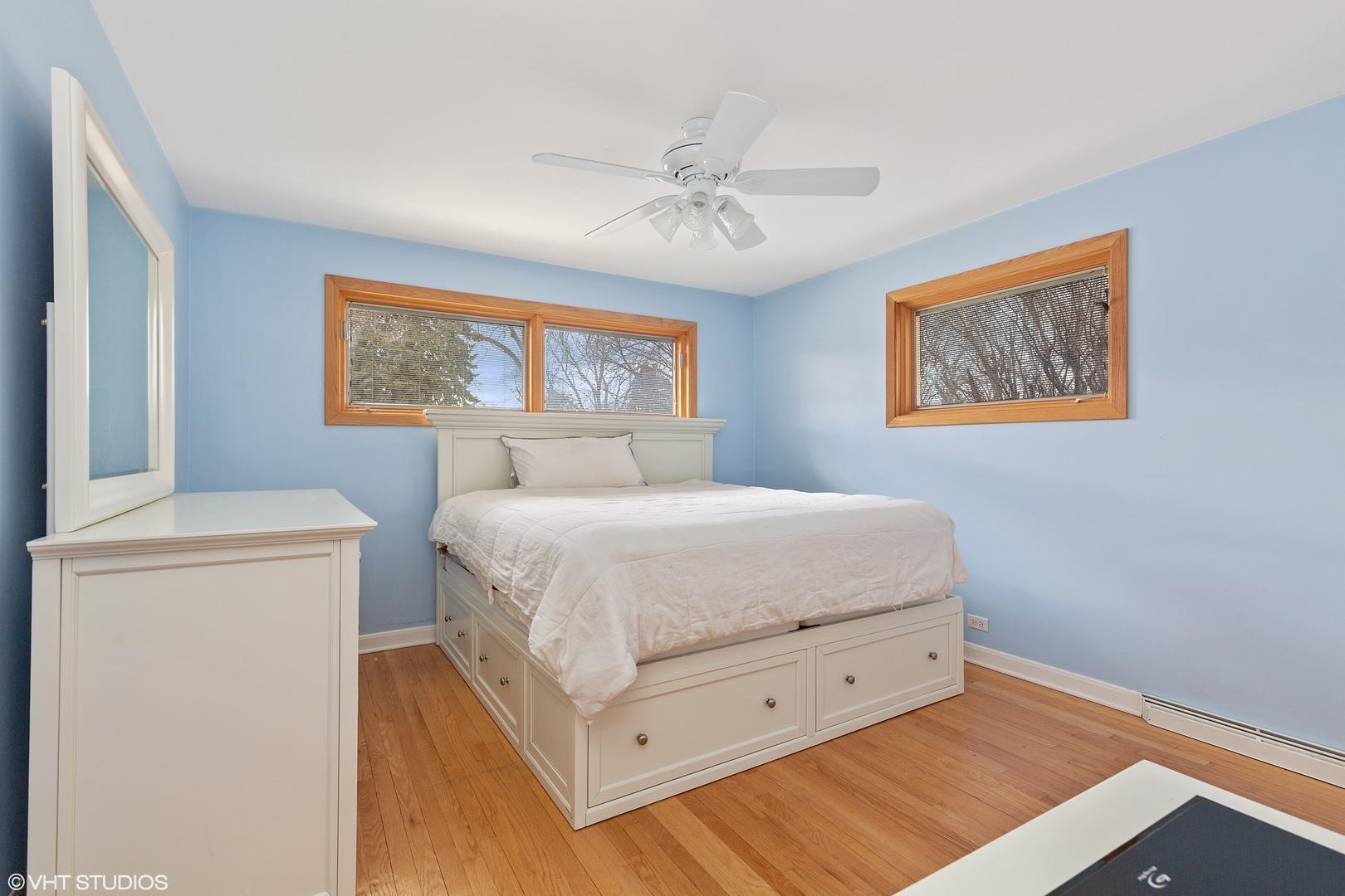 817 S Na Wa Ta, Mount Prospect, Illinois, 60056