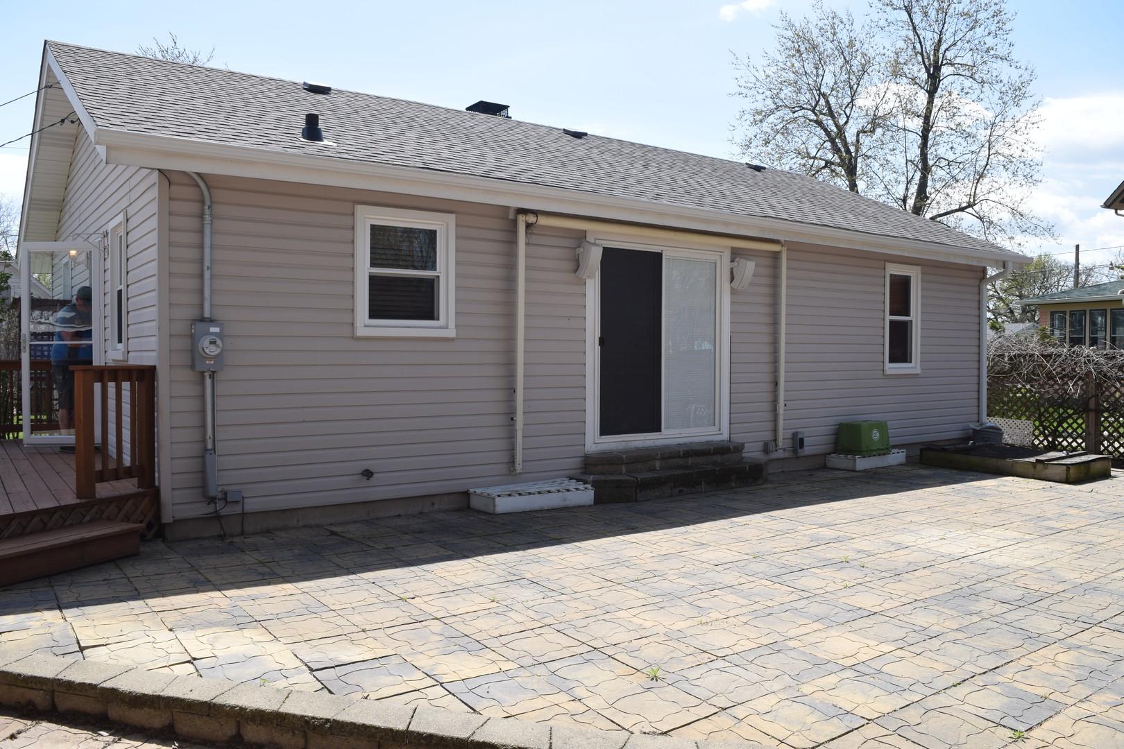 329 Harden, ANTIOCH, Illinois, 60002