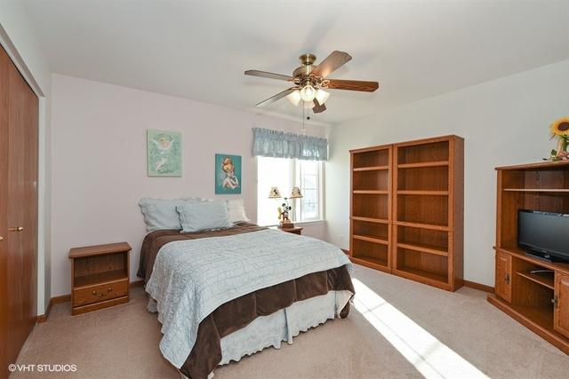 1667 Rosehall, ELGIN, Illinois, 60123