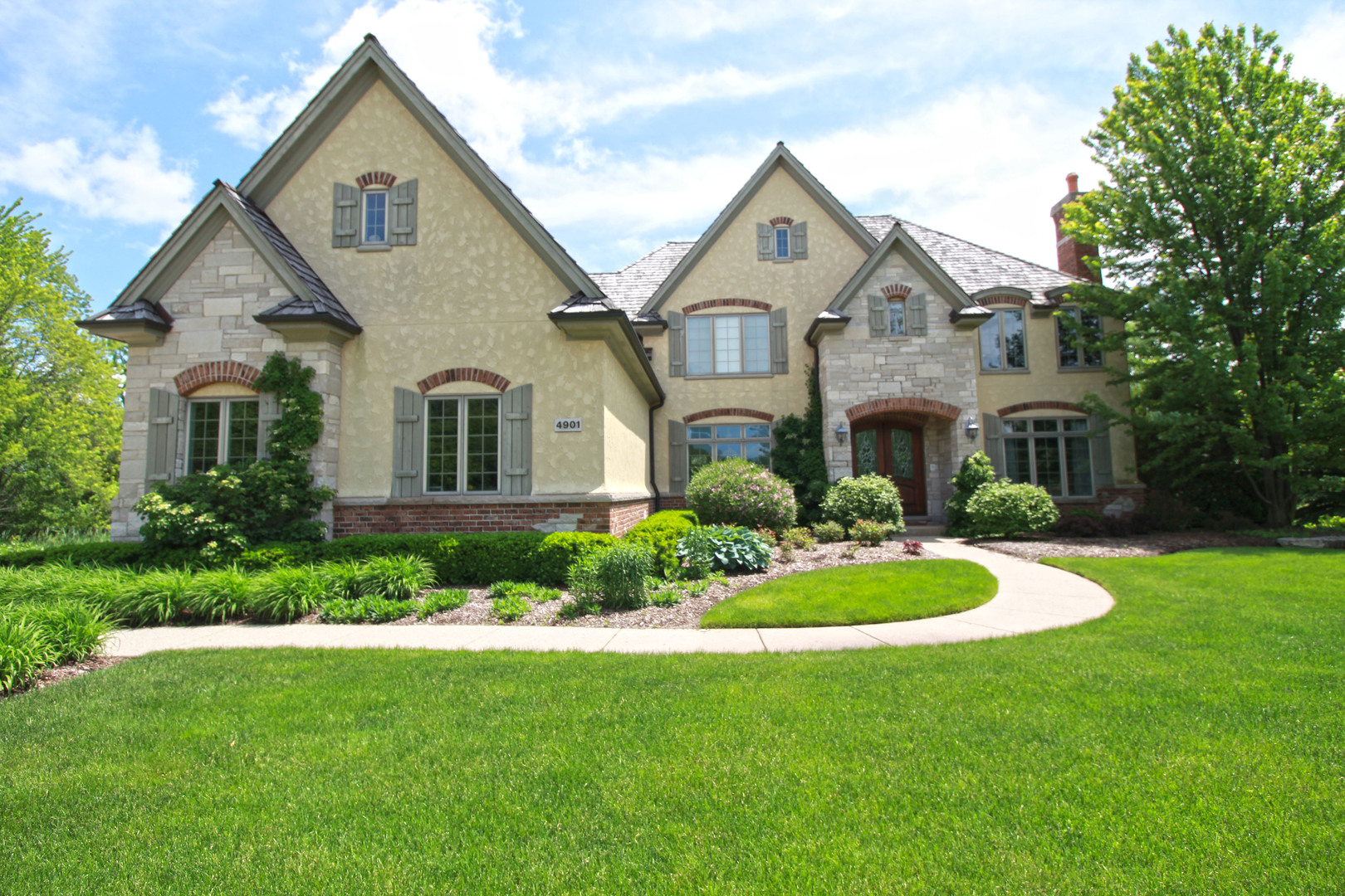 4901 Clover Court, Long Grove, Illinois 60047