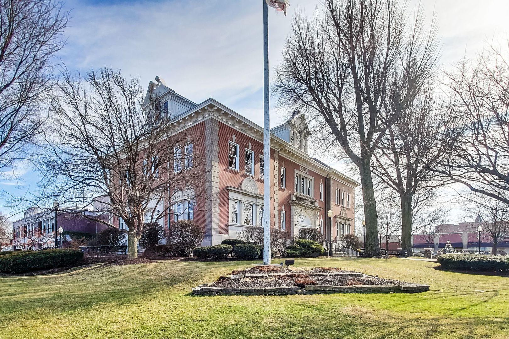 75 East Harris 3C, La Grange, Illinois, 60525