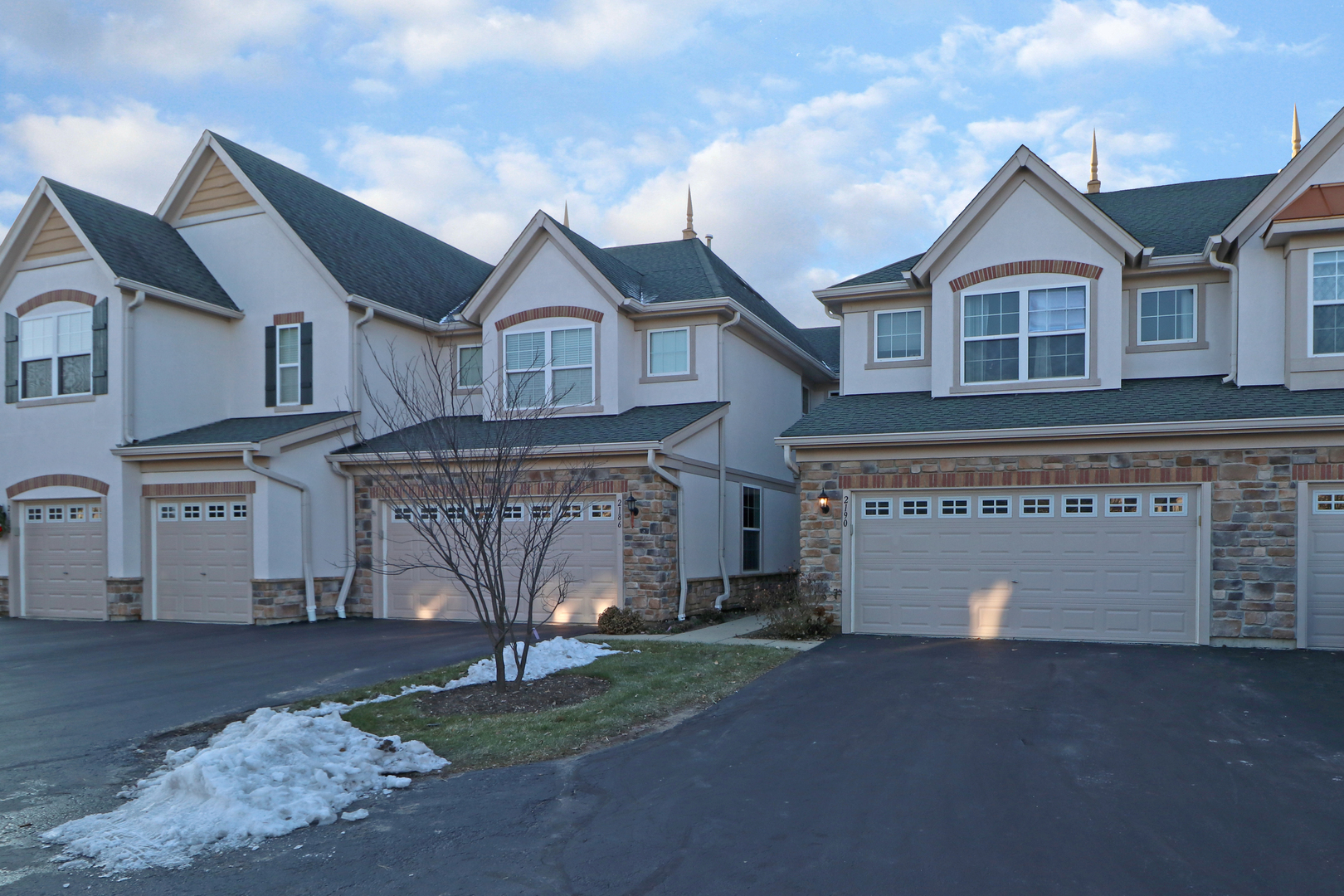 2190 Shadow Creek Court, Vernon Hills, Illinois 60061