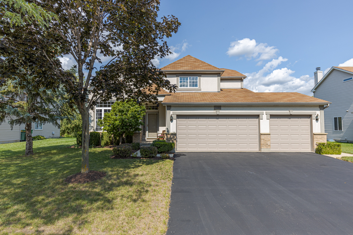 1680 Normandy Woods Court, Grayslake, Il 60030