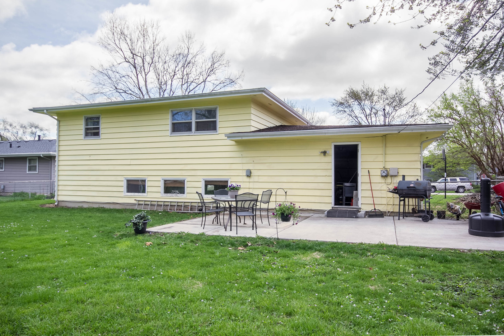 2041 RICHARD, AURORA, Illinois, 60506