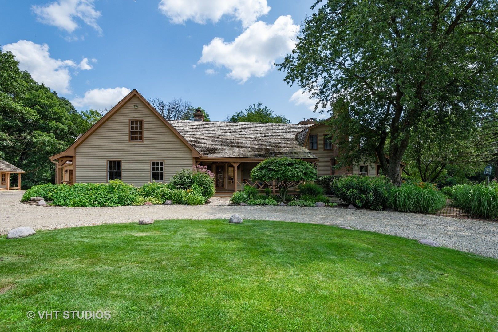 61 Ridge Road, Barrington Hills, Illinois 60010