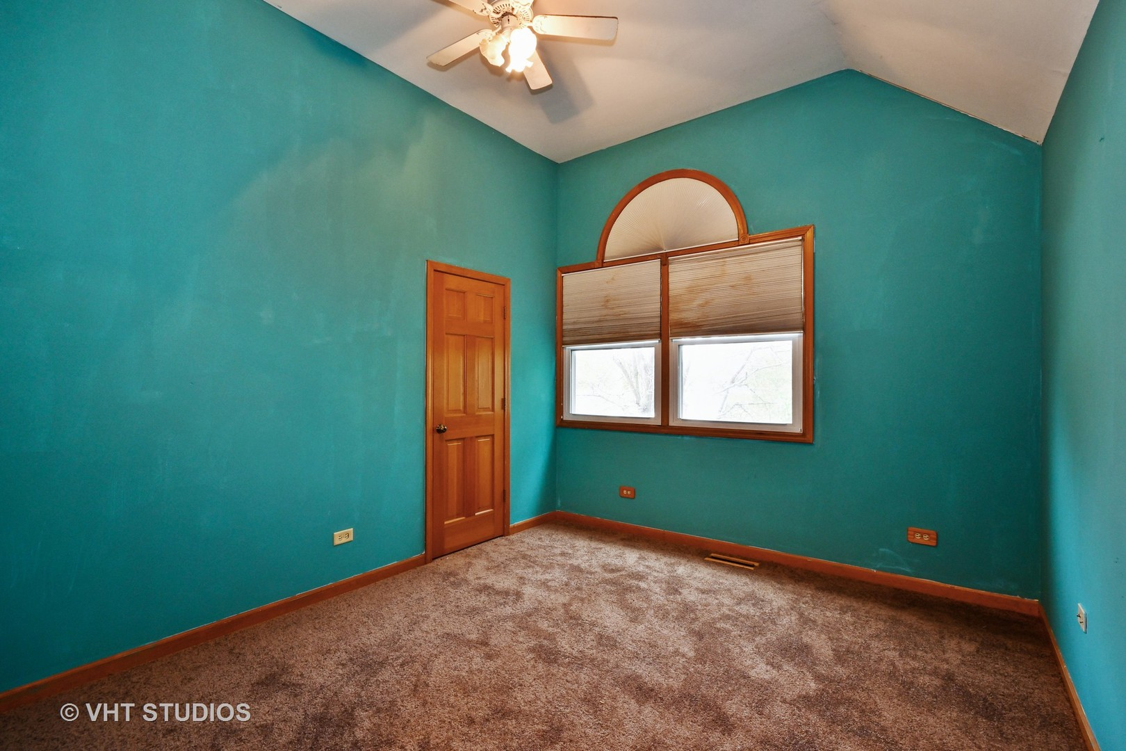 1170 NEWCASTLE, AURORA, Illinois, 60506