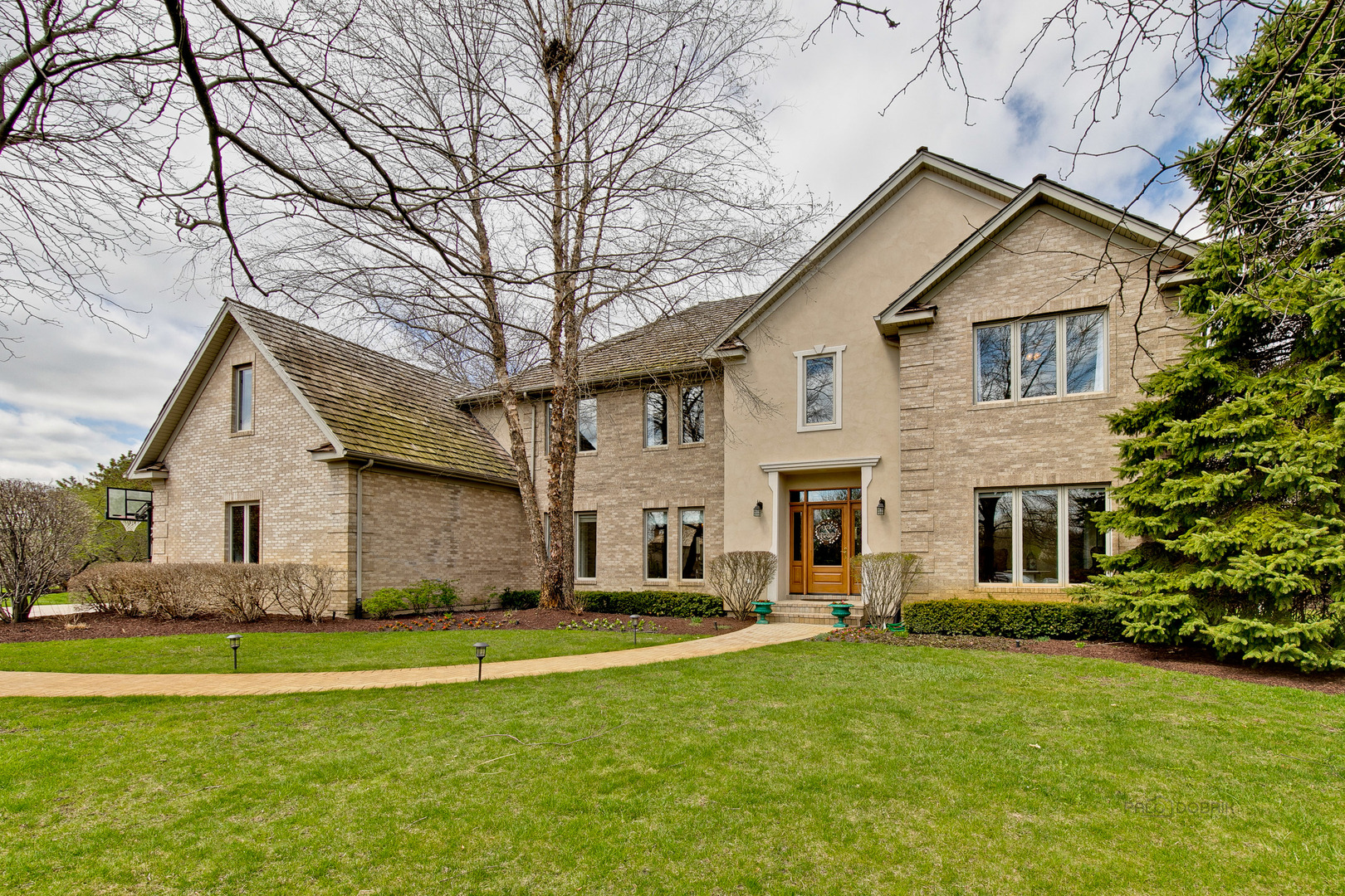 2030 Palmer Lane, Libertyville, Illinois 60048